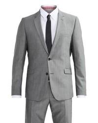 grauer Anzug von Strellson