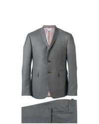 grauer Anzug von Thom Browne