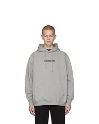 grauer bedruckter Pullover mit einem Kapuze von Vetements
