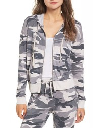 grauer Camouflage Pullover mit einer Kapuze