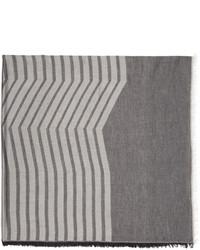 grauer horizontal gestreifter Schal