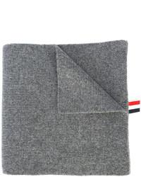grauer horizontal gestreifter Schal von Thom Browne