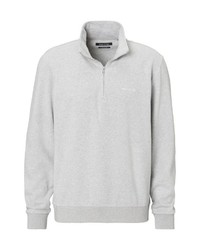 grauer Pullover mit einem Reißverschluss am Kragen von Marc O'Polo