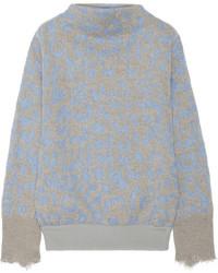 grauer Pullover mit einem Rundhalsausschnitt mit Leopardenmuster von Acne Studios