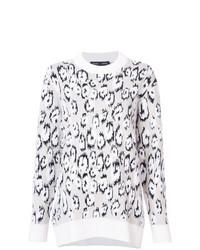 grauer Pullover mit einem Rundhalsausschnitt mit Leopardenmuster von Proenza Schouler