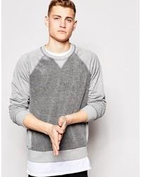 grauer Pullover mit einem Rundhalsausschnitt von Bench