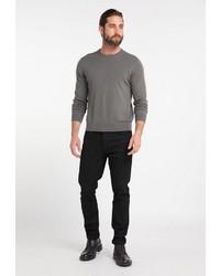 grauer Pullover mit einem Rundhalsausschnitt von Dreimaster