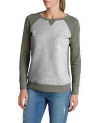 grauer Pullover mit einem Rundhalsausschnitt von Eddie Bauer