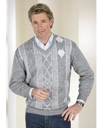 grauer Pullover mit einem V-Ausschnitt mit Argyle-Muster von CLASSIC BASICS