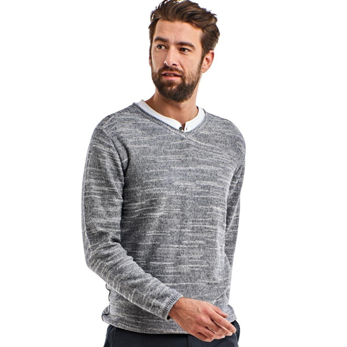 grauer Pullover mit einem V-Ausschnitt von ENGBERS