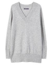 grauer Pullover mit einem V-Ausschnitt von Mango