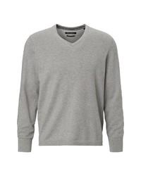 grauer Pullover mit einem V-Ausschnitt von Marc O'Polo