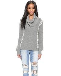 grauer Pullover mit einer weiten Rollkragen von Ella Moss