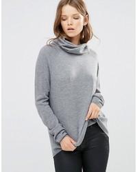 grauer Pullover mit einer weiten Rollkragen von French Connection