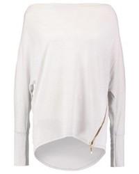 Grauer Pullover mit weitem Rollkragen