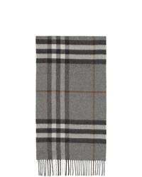 grauer Schal mit Schottenmuster von Burberry