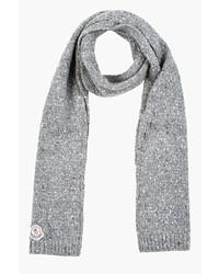 grauer Schal von Moncler