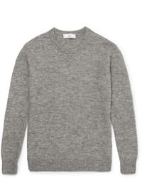 grauer Strick Pullover mit einem Rundhalsausschnitt