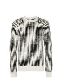 grauer vertikal gestreifter Pullover mit einem Rundhalsausschnitt