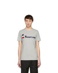 graues bedrucktes T-Shirt mit einem Rundhalsausschnitt von Moncler
