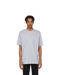 graues T-Shirt mit einem Rundhalsausschnitt von Ksubi