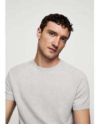 graues T-Shirt mit einem Rundhalsausschnitt von Mango Man