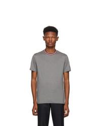 graues T-Shirt mit einem Rundhalsausschnitt von Moncler