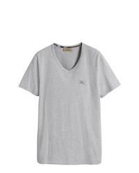 graues T-Shirt mit einem V-Ausschnitt von Burberry