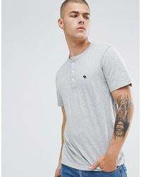 graues T-shirt mit einer Knopfleiste von Abercrombie & Fitch