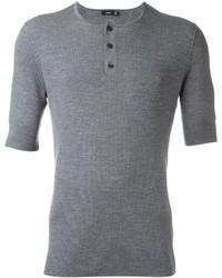 graues T-shirt mit einer Knopfleiste von Vince
