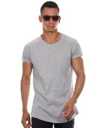 graues T-Shirt mit einem Rundhalsausschnitt von MADMEXT