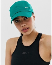 grüne Baseballkappe von Nike