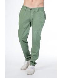 grüne Chinohose von Alife and Kickin