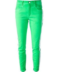 grüne enge Jeans