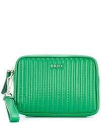 grüne gesteppte Leder Clutch von DKNY