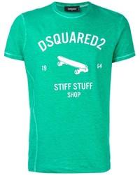 grünes bedrucktes T-Shirt mit einem Rundhalsausschnitt