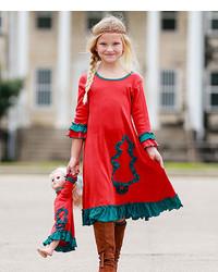 grünes und rotes Kleid mit Weihnachten Muster