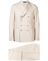 hellbeige Anzug von The Gigi