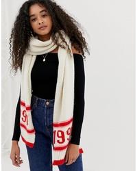 hellbeige bedruckter Schal von New Look