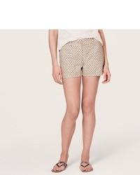 hellbeige gepunktete Shorts
