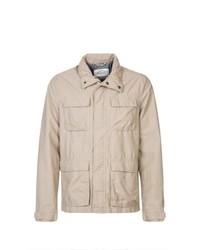 hellbeige Jacke mit einer Kentkragen und Knöpfen