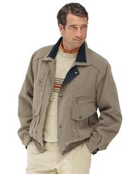 hellbeige Jacke mit einer Kentkragen und Knöpfen von Classic