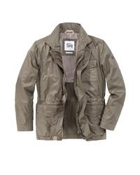 hellbeige Jacke mit einer Kentkragen und Knöpfen von S4 JACKETS