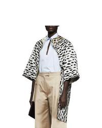 hellbeige Pelz mit Leopardenmuster