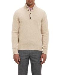 hellbeige Pullover mit einem zugeknöpften Kragen