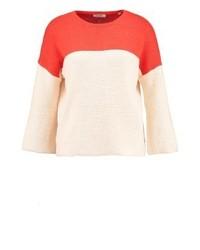 hellbeige Pullover mit einem Rundhalsausschnitt von KIOMI