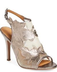 hellbeige Sandaletten aus Netzstoff