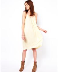 hellbeige schwingendes Kleid von American Vintage