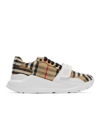 hellbeige Segeltuch niedrige Sneakers mit Karomuster von Burberry
