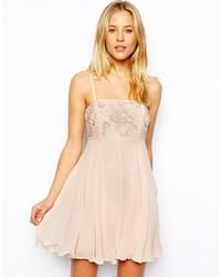 hellbeige verziertes schwingendes Kleid von Asos